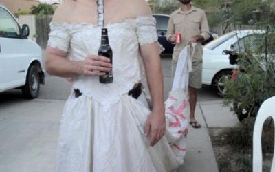 161006: Köpes – Bröllopklänning för man i stl L